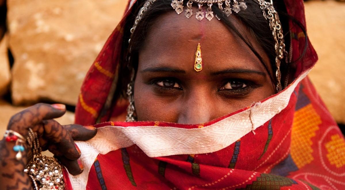photodune-2603408-indian-woman-l